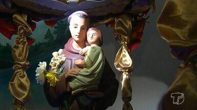 Procissão e missa marcam dia de Santo Antônio no bairro Laguinho, em Santarém - A programação na igreja foi especial para celebrar o dia do santo dos pobres.
