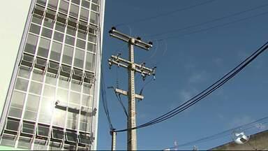 Queda de energia é registrada em escola de Caruaru - Problema tem atrapalhado as atividades da instituição.