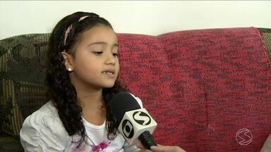 Menina de Volta Redonda sofre de doenças que comprometem o funcionamento do intestino - Ela tem apenas 6 anos. Solução seriam duas cirurgias, mas a família não tem condições de arcar com os custos.