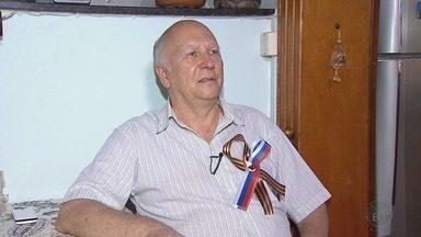 Em Ribeirão Preto, professor russo acompanha vitória da seleção dona da casa - Ouri Borissevitch mora no Brasil há 28 anos. Chegou para dar aula na USP em São Carlos, SP, e há 18 anos é professor na USP Ribeirão.