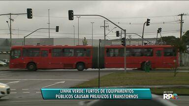 Ação de vândalos causa prejuízo e transtornos na Linha Verde - Vários semáforos ficaram desligados depois que que ladrões furtara os fios de cobres dos controladores do equipamento.