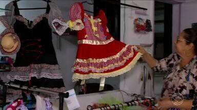 Comerciantes da região têm boa expectativa com vendas de artigos para festa junina - Temporada de vendas começa em junho e se estende até início de agosto.