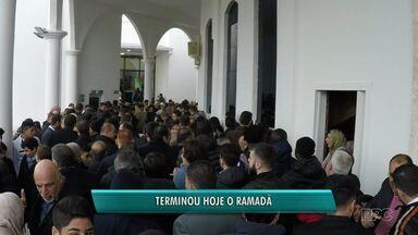Termina o mês do Ramadã - Esse é o período de penitência dos islâmicos.