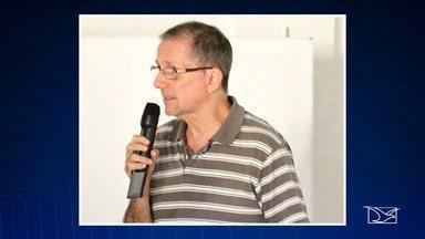 Professor da UFRJ é assaltado e recebe facadas em São Luís - Docente é referência nacional e internacional em Geomorfologia e estava a trabalho na cidade. Ele foi abordado por dois assaltantes em uma moto e as facadas atingiram a região do braço e do tórax.