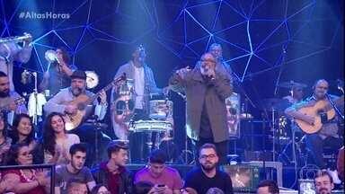 """Jorge Aragão abre o Altas Horas com """"Vou Festejar"""" - Todos cantam junto o clássico do Samba"""