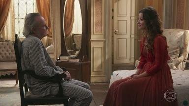 Elisabeta garante a Felisberto que ama Darcy - A jovem diz que está muito feliz com o noivado