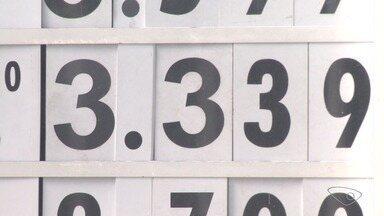 Nem todos os postos da Grande Vitória abaixaram o preço do diesel, diz Procon - Do valor que era vendido no dia 21 de junho, postos deveriam abaixar o preço do diesel em R$ 0,46.