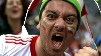 Torcida faz show à parte durante jogos da Copa do Mundo - Torcida faz show à parte durante jogos da Copa do Mundo