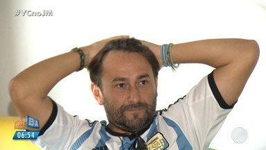 Sufoco: torcedores da Argentina vibram com vitória do time em Salvador - A reportagem acompanhou o jogo com um grupo de Argentinos.