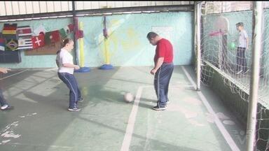 Apae de Santos entra no clima de Copa do Mundo - Alunos participaram de competição cheia de espírito esportivo.