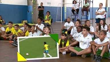 Central acompanha jogo da Seleção no Instituto Neymar Jr - Central acompanha jogo da Seleção no Instituto Neymar Jr