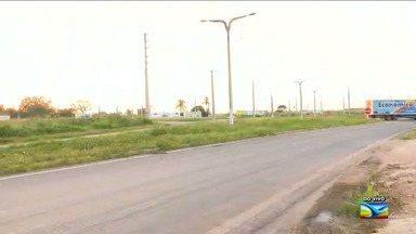 Falta de iluminação em rodovia coloca em risco à vida de motoristas em Santa Inês - O local ficou sem iluminação após um acidente na área.