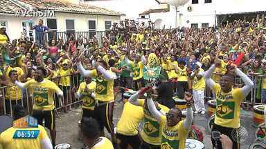 Olodum anima 'TorcidAXÉ' no jogo entre Brasil x México - O Brasil enfrentou o México na segunda-feira (2) pelas oitavas de final da Copa do Mundo.