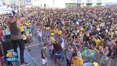 Copa do Mundo: torcedores festejam vitória do Brasil sobre o México - O Brasil enfrentou o México na segunda-feira (2) pelas oitavas de final da Copa do Mundo.