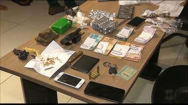 Duas mulheres são presas com drogas na capital - Além delas, a Polícia encontrou drogas num box do Mercado Central de João Pessoa.