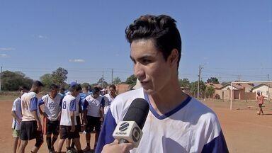 Artilheiro do terrão em Campo Grande fez três gols e pediu música no MS1 - Gustavo fez os três gols em partida no domingo (1º), na Vila Fernanda.