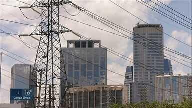 Tarifas de energia da Eletropaulo terão reajuste - Aumento será de 15,08% para clientes residenciais. O índice foi aprovado pela Agência Nacional de Energia Elétrica e passa a valer a partir desta quarta-feira (03).