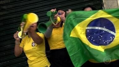 Torcedores dão palpites para o próximo jogo do Brasil - População mostra confiança nos jogadores da Seleção