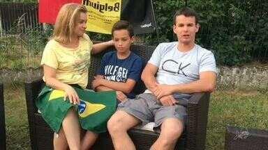 Família fortalece a torcida para o Brasil direto da Bélgica - Saiba mais em g1.com.br/ce