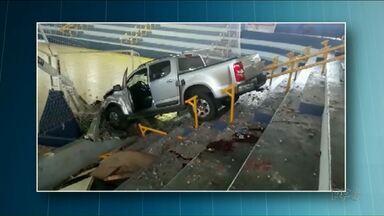 Caminhonete invade ginásio e mata secretário de esportes de Assis Chateaubriand - Outras duas pessoas ficaram feridas.