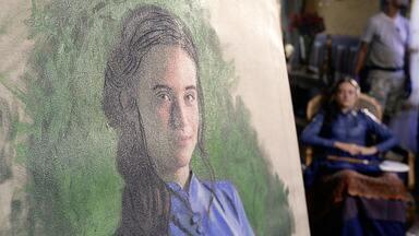 Bastidor com Juliana Paiva sobre a pintura de Marocas - Confira o vídeo