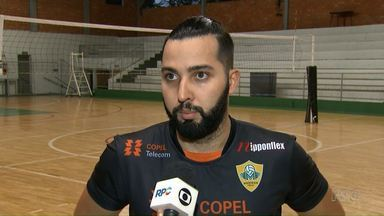 Ex-jogador do vôlei Maringá morre atropelado por caminhonete em ginásio - Ele era secretário de esportes de Assis Chateaubriand