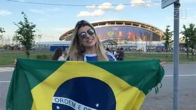 Bancária de MS mostra o clima de alegria fora do estádio de Kazan - Brasil enfrenta Bélgica na Arena Kazan. Sul-mato-grossenses acompanham.