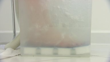 Conheça a ozonioterapia, tratamento que está gerando polêmica - Eficácia do tratamento ainda divide opiniões e é questionada por cientistas. Fantástico mostra que técnica é essa e porque está gerando tanta discussão.