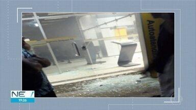 Bandidos explodem cofre de banco na Zona da Mata Sul de Pernambuco - Houve troca de tiros durante a fuga dos bandidos, em Quipapá