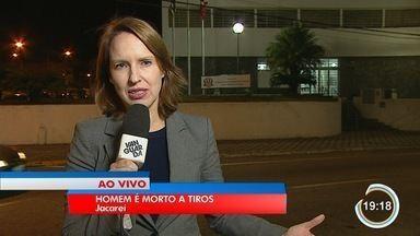 Homem foi morto a tiros no Santa Maria em Jacareí - Crime foi em frente a um bar.