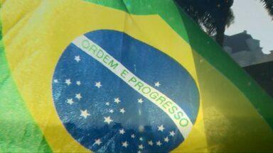 Apesar de qualquer resultado, o futebol verde e amarelo sempre emociona - Uma paixão nacional que mostra a força de vontade e a fé dos brasileiros