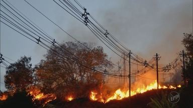 Incêndio atinge subestação de energia do bairro Santo Antônio em Itajubá (MG) - Incêndio atinge subestação de energia do bairro Santo Antônio em Itajubá (MG)