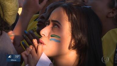 No Mineirão, belo-horizontinos torcem até último minuto pelo Brasil - Milhares de pessoas acompanharam a eliminação da seleção na esplanada do estádio.