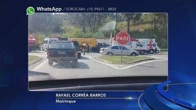 Carro capota após colisão na Raposo Tavares em Mairinque - Um carro capotou na Rodovia Raposo Tavares, na altura do quilômetro 66, em Mairinque (SP), na tarde desta sexta-feira (6).