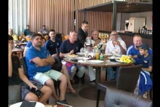 Franceses que moram em Belém comemoram vitória da França sobre o Uruguai - Vitória garantiu a vaga dos azuis na semifinal da Copa.