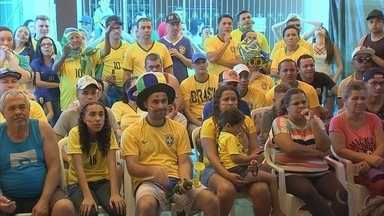 Torcida em Jundiaí se reúne para assistir ao jogo do Brasil na Copa do Mundo - Muita gente se reuniu em Jundiaí (SP) para assistir ao jogo do Brasil na Copa do Mundo nesta sexta-feira (6). A torcida contou até com a Bruna Marquezini da Vila Hortolândia.