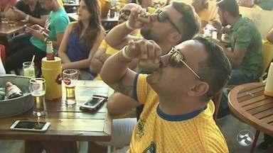 Veja as reações da torcida brasileira em Caruaru após a eliminação na Copa do Mundo - Brasil foi derrotado pela Bélgica por 2 a 1.