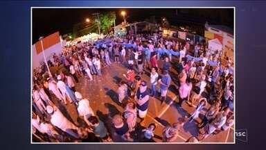 Devotos de Nossa Senhora dos Navegantes celebram manto com mais de mil metros - Devotos de Nossa Senhora dos Navegantes celebram manto com mais de mil metros