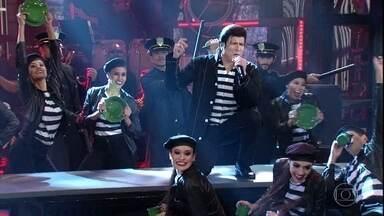 Paulo Ricardo homenageia Elvis Presley - Plateia aplaude de pé a performance do artista