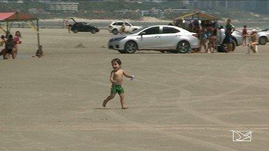 Circulação de veículos na praia do Araçagy preocupa população de São Luís - Com boas condições de balneabilidade, a praia é a preferida dos banhistas, mas a circulação de carros e motos na faixa de areia acaba se tornando perigosa.