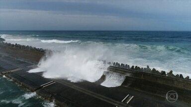 Mau tempo provoca destruição na Ásia - Tufão Maria atingiu Taiwan e deixou 1 morto e 3 feridos. No Japão, 179 já morreram por causa das enchentes.