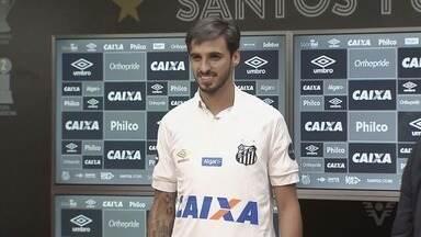 Santos FC apresenta meia Bryan Ruiz - Jogador disputou a Copa pela Costa Rica.