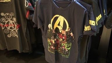 Irmãos apostam no mercado de cultura pop e são gigantes do setor - Empresários começaram com camisetas de personagens de quadrinhos e de filmes e hoje são gigantes no setor de produtos de cultura pop.