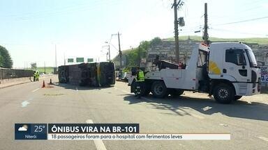 18 pessoas ficaram feridas em acidente de ônibus na BR101 - Ônibus vinha da Bahia com destino a São Paulo e virou ao desviar de um carro