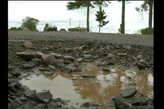 Motoristas reclamam das condições da RS-307 na região - A estrada liga as cidades de Santa Rosa, Cândido Godói, Campina das Missões e São Paulo das Missões.