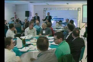 Desenvolvimento de Santa Rosa em pauta no Fórum do Comércio - Comunidade participa das discussões sobre as demandas para o futuro da cidade.