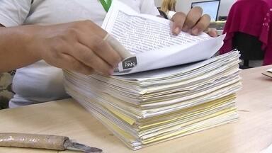 Burocracia afeta o funcionamento das empresas brasileiras - O Brasil é recordista mundial em tempo gasto pelas empresas para pagar impostos.