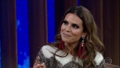 Aline Barros fala sobre perda da voz e afirma que recuperação foi sobrenatural - Cantora também comenta os prêmios que ganhou