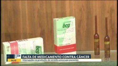 Pacientes ficam sem medicamento para tratamento de câncer - Claudio Faziola foi operado de um câncer na bexiga, mas não encontrou o medicamento indicado, o Imuno BCG. Outros pacientes passam pelo mesmo problema. De acordo com fabricante, produção do medicamento havia sido suspensa pela Anvisa.