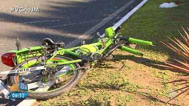 Caso de ciclista morto atropelado reacende a discussão sobre indenizações em acidentes - O condutor do veículo fugiu do local após o acidente. Ao se apresentar à polícia ele alegou ter fugido por contas de ameaças.